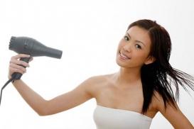 8 mẹo đơn giản giúp tóc nhanh khô